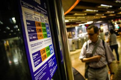 Metro descartó que haya subido la tarifa del pasaje en Horario Bajo