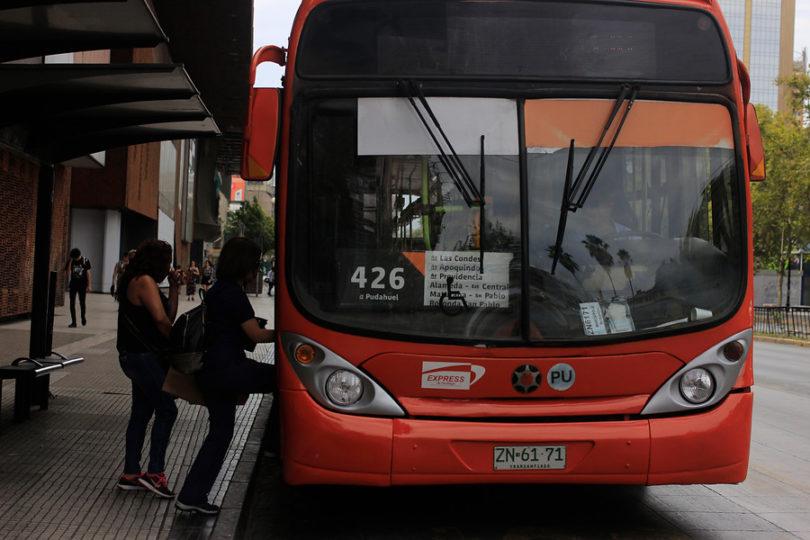 Panel de Expertos decreta nueva alza en transporte público de Santiago