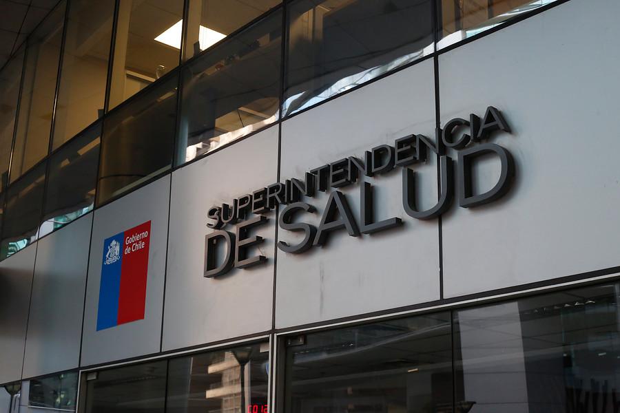 """""""Detectan irregularidades en entrega de medicamentos Auge en Isapres"""""""