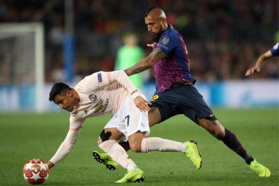 La supremacía del Rey: Arturo Vidal supera a Alexis Sánchez en enfrentamientos por la Champions