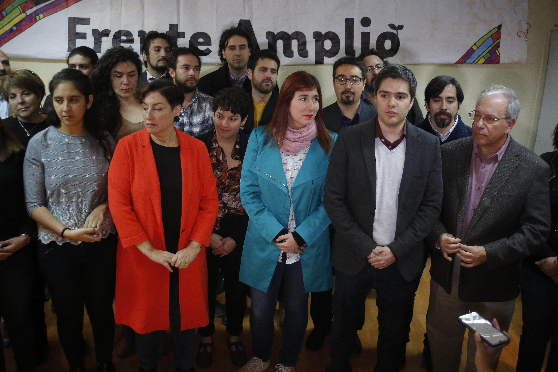 """""""Frente Amplio insiste en propuesta de nacionalizar el agua, el litio y el cobre"""""""