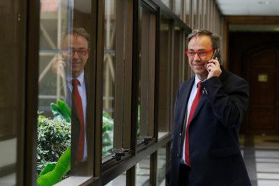 Fiscalía investigará a diputado Eguiguren por eventual fraude al Fisco