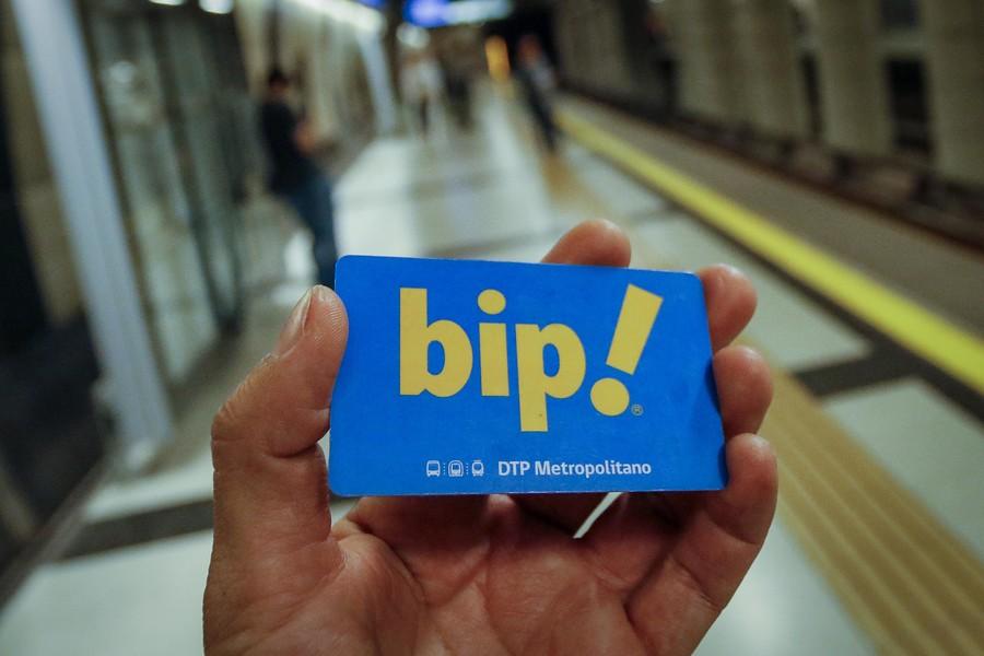 La reveladora relación entre sueldo mínimo y el pasaje de Metro