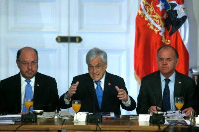 Piñera no descarta cambios a la Constitución por pugna entre Corte Suprema y TC