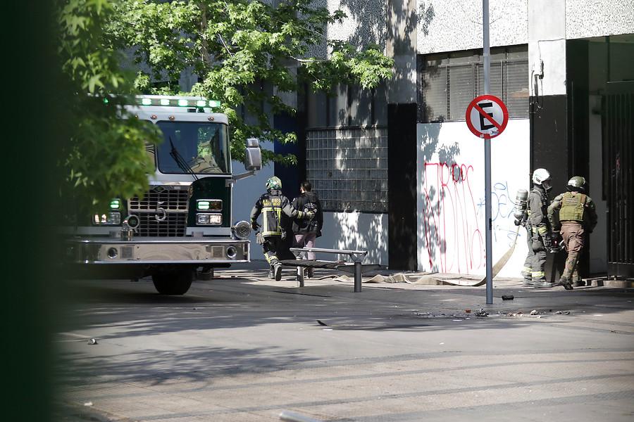 Carabineros culpa a molotov por incendio en IN