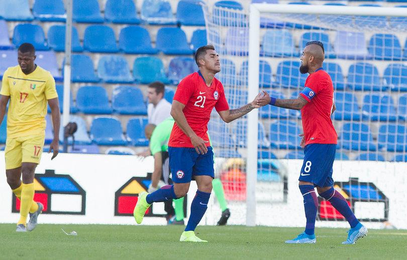 La Roja vuelve a los triunfos en un sufrido amistoso ante Guinea