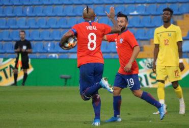 Arturo Vidal se acerca a Caszely en el ranking de goleadores de la Roja