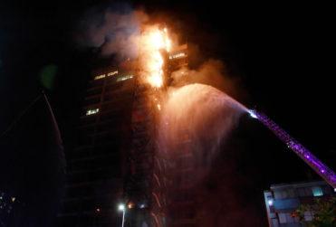El incendio en el edificio de Enel