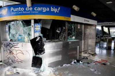PDI identificó a 14 nuevos sospechosos por daños a estaciones de Metro