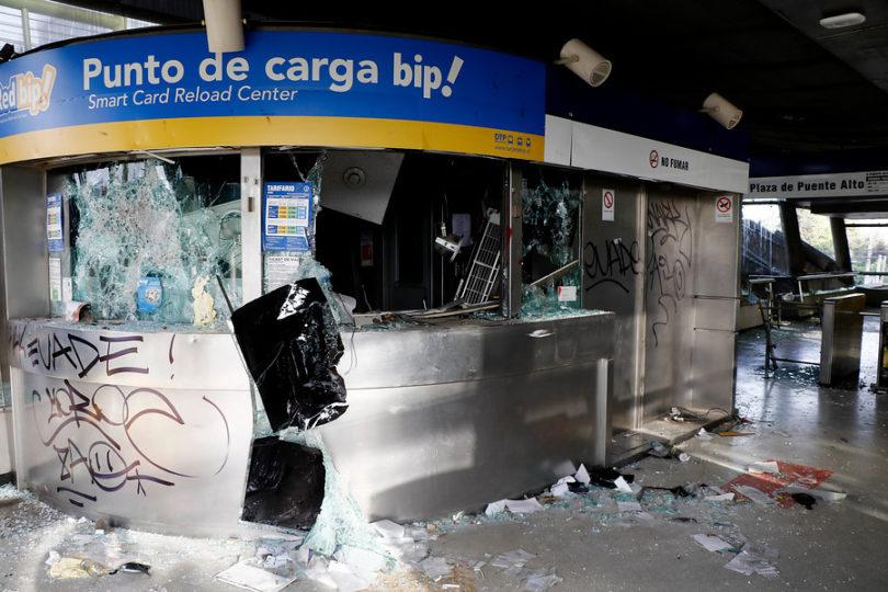 PDI identificó a 14 nuevos sospechosos de ataques al Metro de Santiago