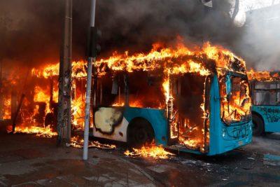Transantiago suspende operaciones en su totalidad tras disturbios en la Región Metropolitana