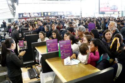 """España recomienda precaución en los viajes hacia Chile ante """"protestas que han dejado once muertos"""""""