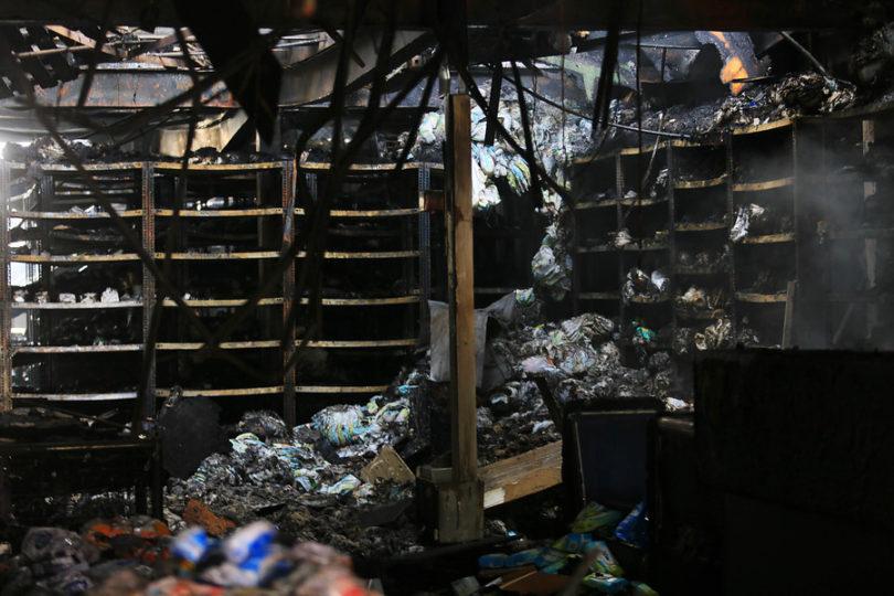 Carabineros confirma hallazgo de cuerpo calcinado en supermercado de Maipú