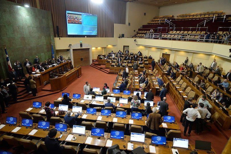 Aprueban congelar alza del pasaje de Metro con voto en contra de Alinco y abstención de Marisela Santibáñez