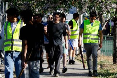 Un barrio sitiado: así se defendieron los vecinos de los saqueadores