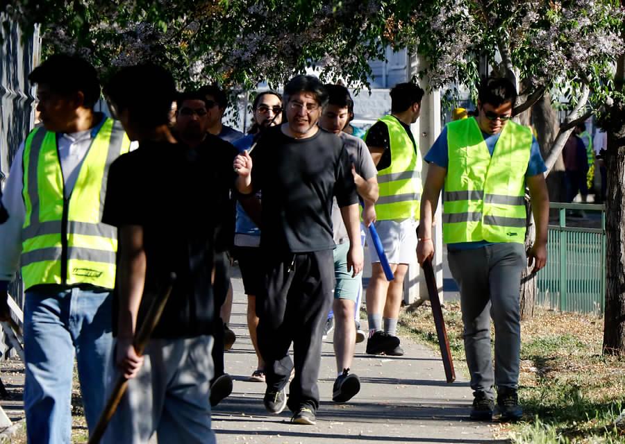 """""""Un barrio sitiado: así se defendieron los vecinos de los saqueadores"""""""