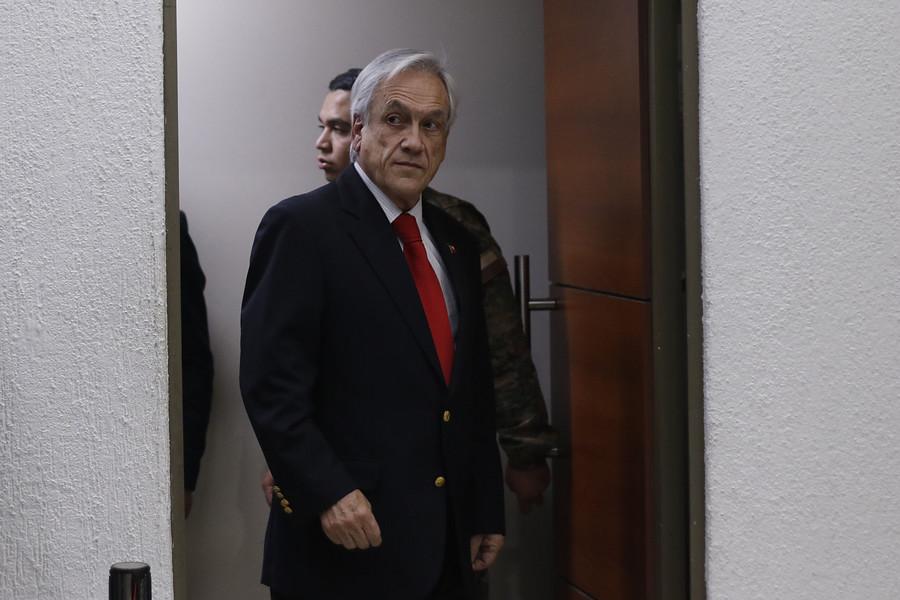 """""""Encuesta Cadem: desaprobación de Piñera sube 3 puntos en semana marcada por evasiones"""""""
