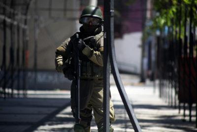 Dictan medidas de protección para detenidos en comisaría de Peñalolén