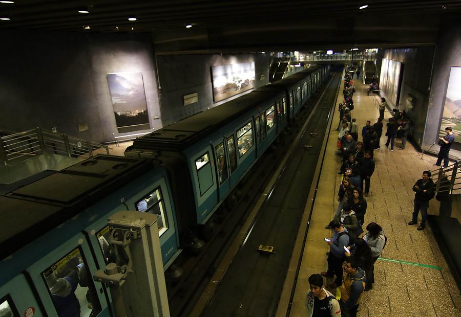 Línea 1 del Metro transportó a más de 110 mil personas esta mañana