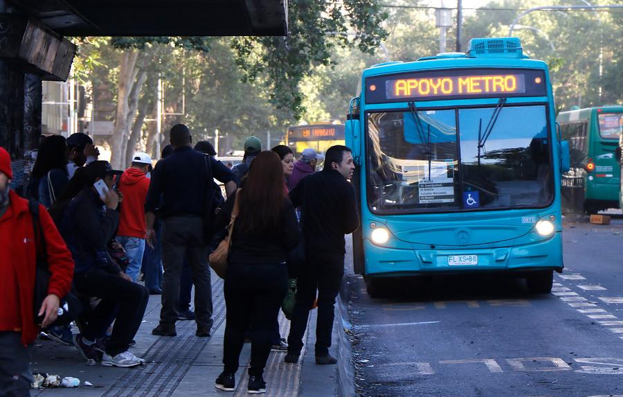 MTT: buses funcionaron con más del 80% de su flota en la Región Metropolitana