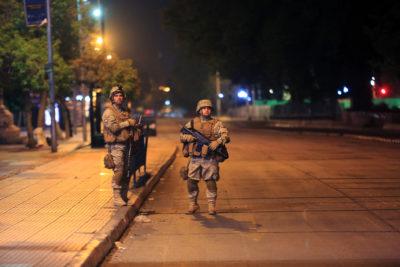 VIDEO  Las Condes: vecinos denuncian que militares dispararon a civiles en un condominio