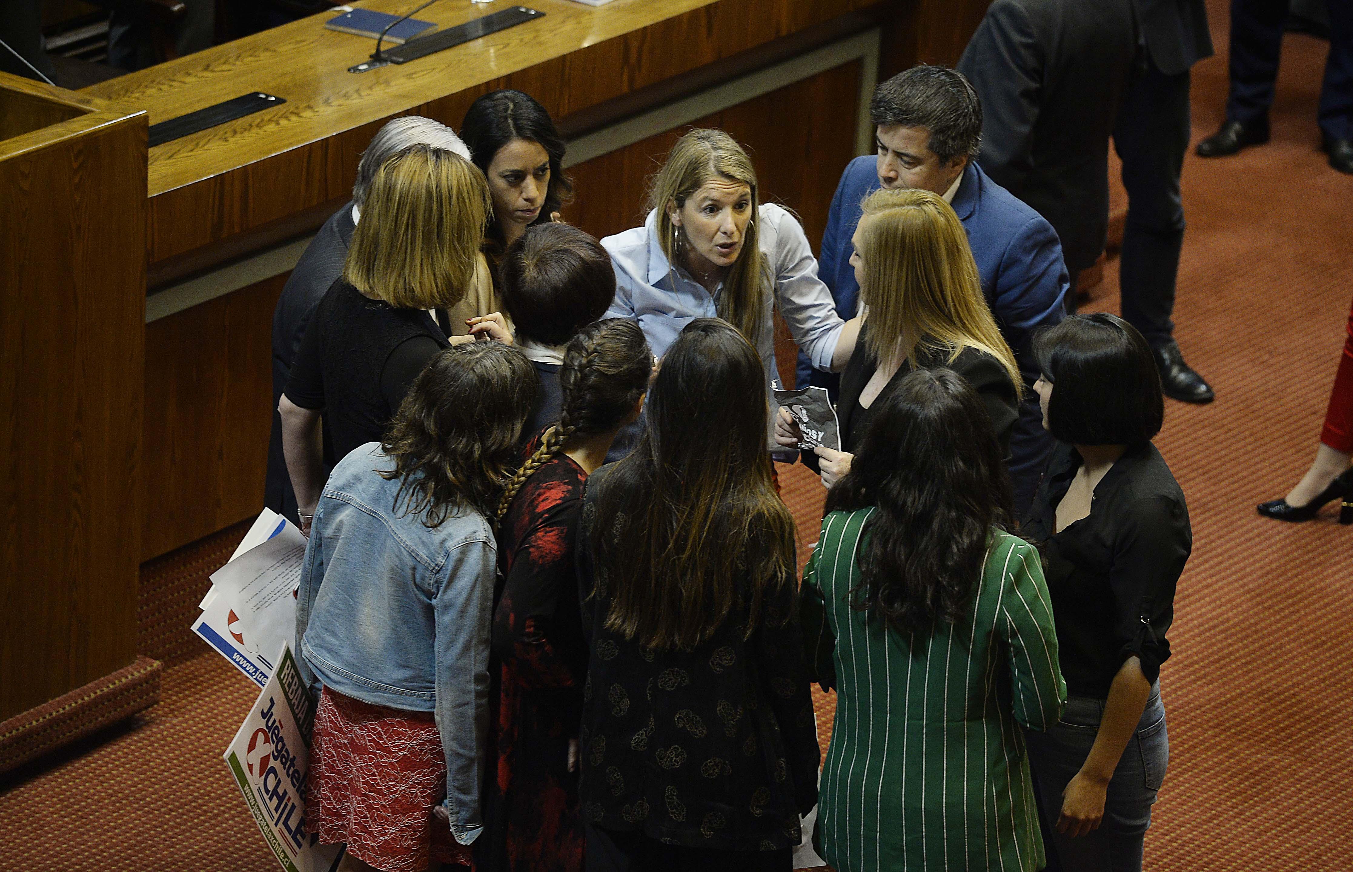 """""""Paulina Núñez (RN) lamenta incidentes en la sala:"""
