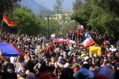 """Convocan a la comunidad LGBTI a plegarse a la """"Marcha más grande de Chile"""""""