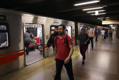 Línea 4 vuelve a abrir sus puertas: así funcionará el Metro durante este lunes