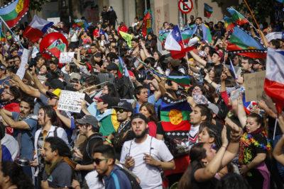 Nueva jornada de protestas se registraron en distintas ciudades de Chile