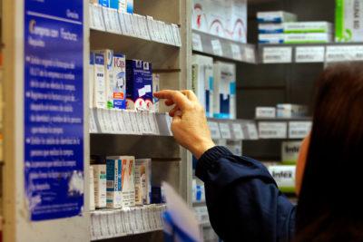 Presentan proyecto para que farmacias independientes compren medicamentos a Cenabast
