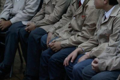 Joven resulta con graves quemaduras en cuello y rostro tras experimento escolar