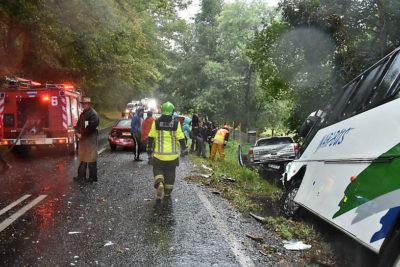 Revelan identidades de víctimas del accidente de bus repleto de escolares