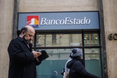 Desconocidos sustraen $194 millones de sucursal de BancoEstado en Maipú