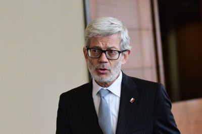 """Juan Andrés Fontaine por alzas de combustibles y luz: """"La alternativa sería deteriorar el servicio"""""""