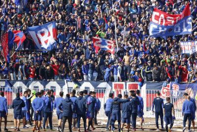 Los de Abajo se restan de banderazo en protesta a la gestión de Azul Azul