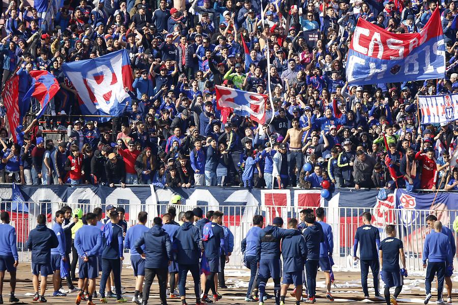 """""""Los de Abajo se restan de banderazo en protesta a la gestión de Azul Azul"""""""