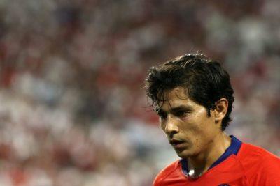 La desgracia que persigue a Matías Fernández: jugó 11 minutos por Junior y se volvió a lesionar