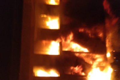 VIDEO | Incendio afecta a edificio corporativo de Enel en centro de Santiago