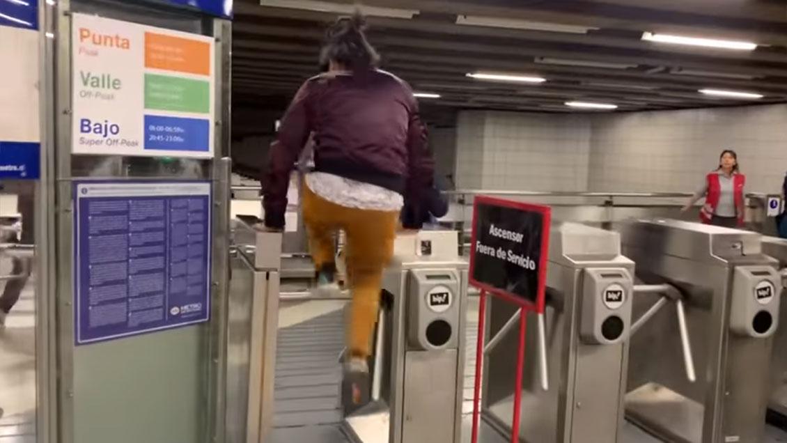 """Hutt se enoja con Jorge Alís por sus """"7 formas de evadir el Metro"""""""
