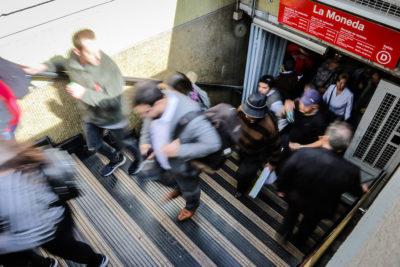 Evasión en el Metro: cerca de mil personas no pagaron su pasaje durante protestas