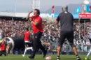 Mario Salas gesto