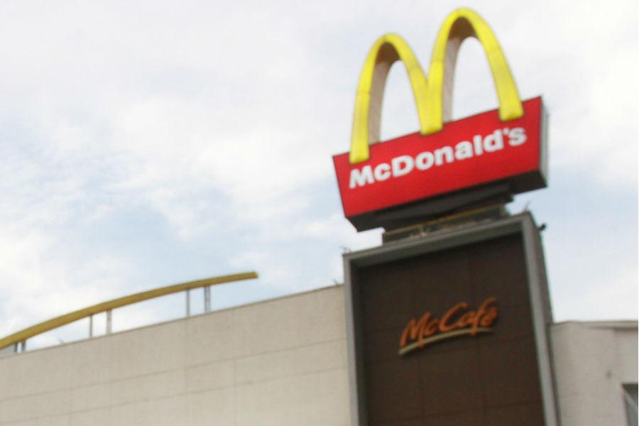 """Condenan a McDonald"