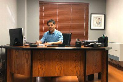"""""""Contador de los médicos"""" sortea el escritorio con el que empezó hace 25 años"""