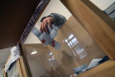 A dos semanas de fecha límite: alcaldes, intendentes y subsecretarios aún no definen renuncias por próximas elecciones
