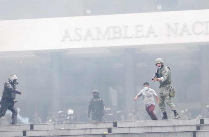 Dos muertos en protestas contra el