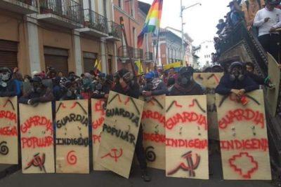 Ecuador en crisis: aumentan a cinco los fallecidos e indígenas retienen a policías en medio de las protestas