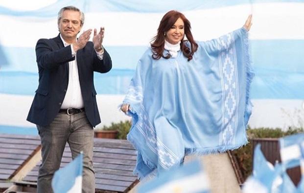 """""""Elecciones argentinas: Macri y Fernández cierran sus campañas en medio de críticas y actos de violencia"""""""