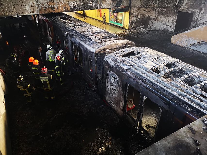 Los cargos que enfrentan los siete detenidos por daños en estaciones del Metro