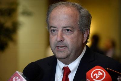 """Ministro Monckeberg: """"Si Vallejo se equivoca con su proyecto, 'el pato' lo pagan las pymes"""""""