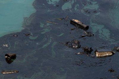 """Bolsonaro por petróleo derramado en 132 playas de Brasil: """"No es de nosotros, es extranjero"""""""